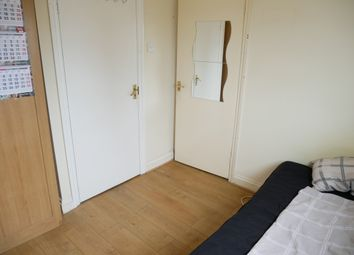 Great West Road, Isleworth TW5. Room to rent