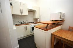 2 bed flat to rent in Glen Street, Tollcross, Edinburgh EH3
