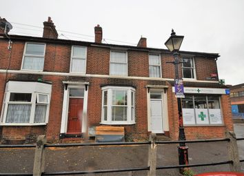 Thumbnail 2 bed flat to rent in Cross Lane, Faversham