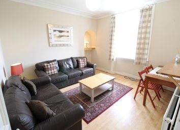 2 bed flat to rent in Kintore Place, Aberdeen AB25