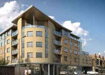 Thumbnail 2 bed flat to rent in Friern Barnet Road, New Southgate, London