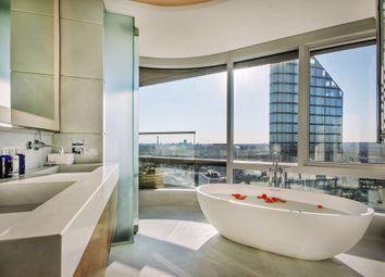 Thumbnail 3 bed flat for sale in Canaletto, City Road, London