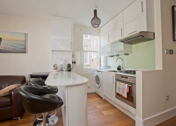 Thumbnail 1 bed flat to rent in Sisters Avenue, Battersea, London