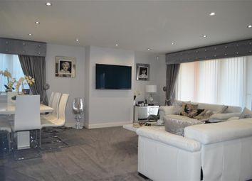 Thumbnail 2 bedroom flat for sale in Manor Road, Chigwell, Essex