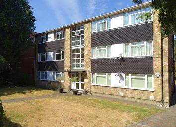 Thumbnail 3 bed flat to rent in Woodside Avenue, London