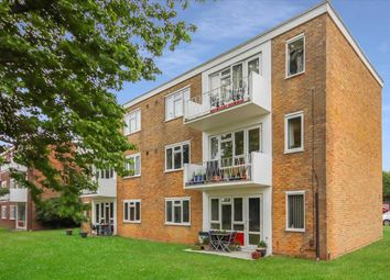 2 bed flat for sale in Sunningdale Court, Jupps Lane, Goring-By-Sea, Worthing BN12