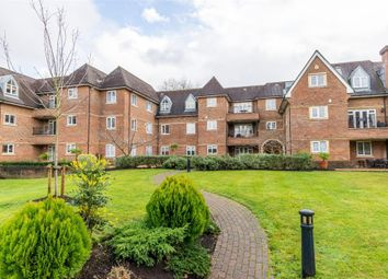 Churchfields Avenue, Weybridge, Surrey KT13. 3 bed flat for sale