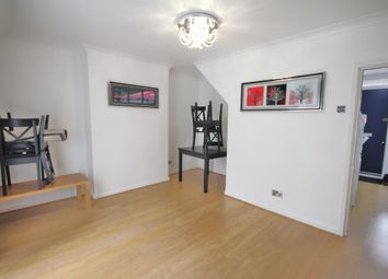 Thumbnail 3 bed flat to rent in Stanway Street, Hoxton, London