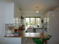 Thumbnail 6 bed terraced house to rent in Guildford Park Avenue, Guildford