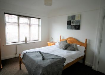 Thumbnail 5 bed shared accommodation to rent in The Twitchell, Sutton-In-Ashfield