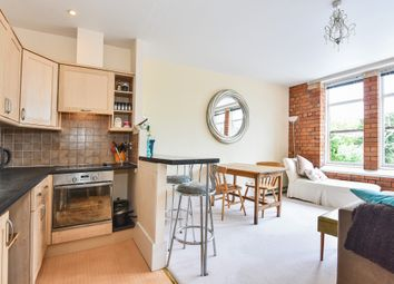 Thumbnail 2 bed flat for sale in Cheapside, Stroud