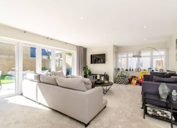 Thumbnail 4 bed property to rent in Edgefield Close, Beckenham
