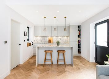 Whittlebury Mews, Primrose Hill, London NW1. 2 bed flat for sale