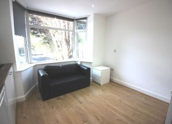 Thumbnail Studio to rent in Great North Way, Hendon