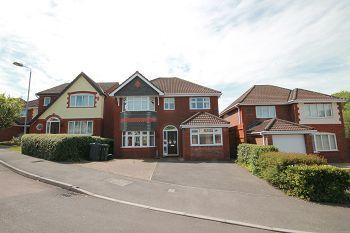 Thumbnail 4 bedroom detached house to rent in Azalea Drive, Trowbridge, Wiltshire
