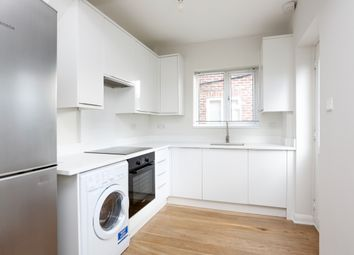 Thumbnail 2 bedroom maisonette to rent in Braeside Avenue, London