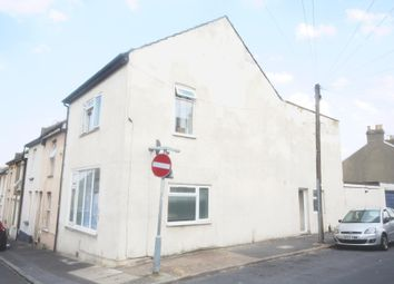 5 bed end terrace house for sale in Glencoe Road, Chatham ME4