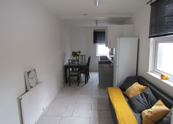 Thumbnail 2 bed flat to rent in Homerton High St, Hackney