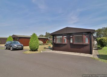 2 bed mobile/park home for sale in Fossdyke Walk, The Elms, Torksey, Lincoln LN1