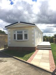 Thumbnail 2 bedroom mobile/park home for sale in Flaxley Road, Selby