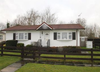 Thumbnail 2 bed mobile/park home for sale in Fifield Road, Bray, Maidenhead