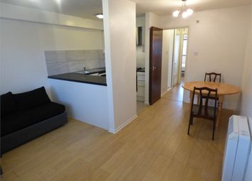 Thumbnail 1 bed flat to rent in St Pauls Avenue, Slough, Berkshire