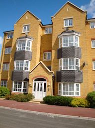 Thumbnail 2 bed flat to rent in Henley Road, Bedford