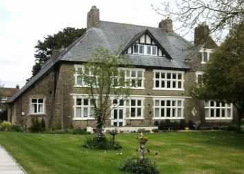 Thumbnail 1 bed flat to rent in Phoenix House, Dommetts Lane, Frome, Somerset