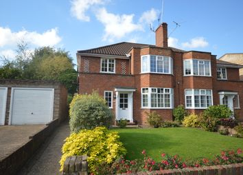 Lovelace Gardens, Surbiton KT6. 3 bed maisonette