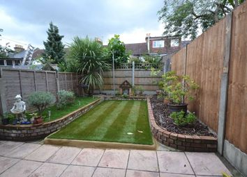 Thumbnail 2 bedroom flat to rent in Worsley Road, London