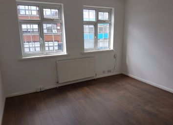 Thumbnail 2 bed flat to rent in Chase Side, Southgate, London