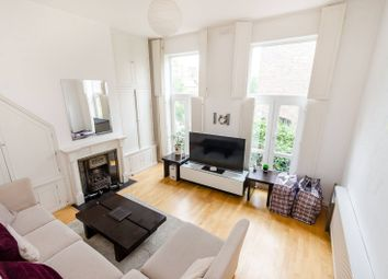 4 bed property to rent in Moore Park Road, Fulham, London SW6