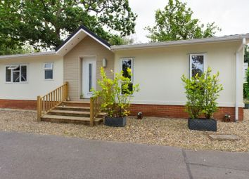 Thumbnail 2 bed mobile/park home for sale in Fangrove Park, Lyne, Surrey