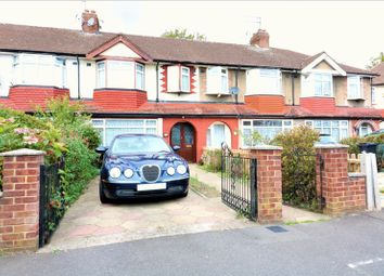 Thumbnail 3 bed property for sale in Richmond Crescent, London