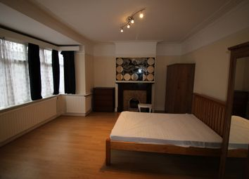 Thumbnail 3 bed flat to rent in Orb Street, London