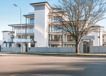 Thumbnail 2 bed flat for sale in Braywick Road, Maidenhead