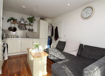 Thumbnail 1 bed flat to rent in Azalea Drive, Swanley