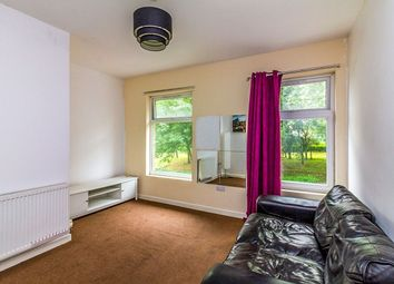 2 bed flat to rent in Southey Avenue, Sheffield S5