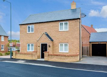 Thumbnail 4 bed detached house for sale in Needlepin Way, Buckingham