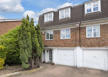 4 bed property to rent in Lower Park Road, Loughton IG10