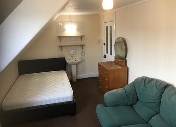 Thumbnail Room to rent in Glebe Avenue, Enfield