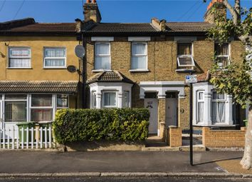 3 bed detached house to rent in Kempton Road, East Ham E6
