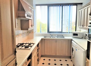 Thumbnail 3 bed flat to rent in Acacia Road, London