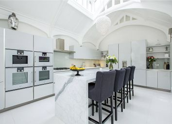 Thumbnail 5 bed terraced house for sale in Victoria Square, London
