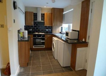 Thumbnail 2 bedroom flat to rent in Knowle Mount, Leeds
