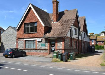 2 bed flat to rent in The Goffs, Eastbourne BN21