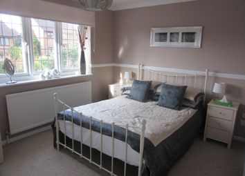 Thumbnail Room to rent in Balfour Drive, Calcot, Reading