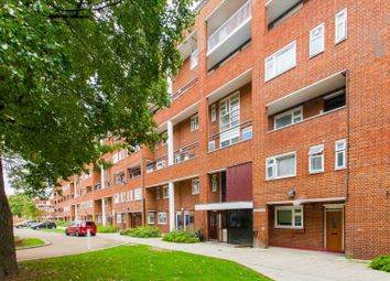 3 bed maisonette for sale in James House, Stepney, London E1