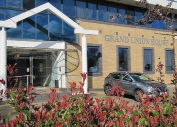 1 bed flat to rent in Grand Union House, The Ridgeway, Iver, Buckinghamshire SL0