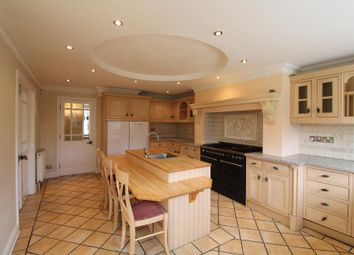 Thumbnail 3 bed property to rent in Hillview Gardens, Cheshunt